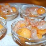 Cantalupo e gamberi con sale rosso
