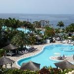 Vue sur l'une des 5 piscines du complexe Gran Melia Palacio