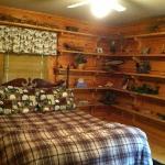 Hunters Paradise Room