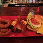 Cheese Burger, bacon and onion ring side