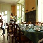 """Frühstücksraum im """"Manoir de Montflambert"""""""