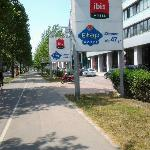IBIS & ETAP Wien Messe ~ Lassallestrasse entrance