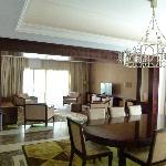 salle à manger avec salon en enfilade
