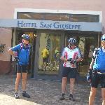 Vor dem Hotel  San Giuseppe,  Mai 2012