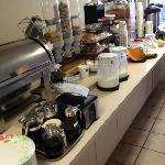 Photo is missing the waffle maker, yogurt & apples
