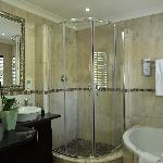 Superior En-suite bathroom