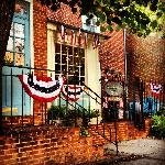 Come Celebrate Sc=tar Spangled 200 here in Baltimore in one of the few places for Lodging that w