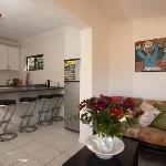Little Cottage, Kitchen & Lounge