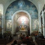 O altar da capela da medalha milagrosa