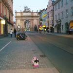 7 min walk to this Altstadt gate