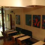 Los cuadros son del artista de San Salvador Renacho Melgar.
