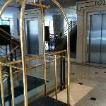 elevador lobby a esquerda entrada p/ restaurante