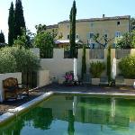 Hotel mit Schwimmbad/ Hôtel avec piscine