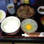 ランチ   すき焼きB定食  1400円