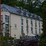 Hotel Watthalden von der Strassenecke am Watt's Rest. aus gesehen