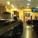 sala cafeteria bar y en el fondo comedor restaurante