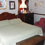 Cozy, well-equipped rooms with vintage décor, soft and sensuous luxury sheets and pillows, and h