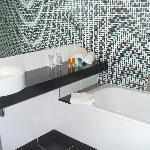 More of the bathroom