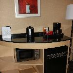 Bar area, with coffee maker and refridgerator