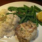 chilean sea bass rice n snap peas. ohhhh perfect!!!! perfectly grilled!  fresh snap peas. in hea