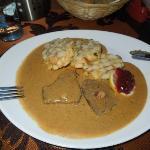 Brasato di manzo con verdure passate e panna convanederli di Karlsbad