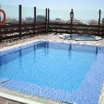 Excellent Rooftop Pool