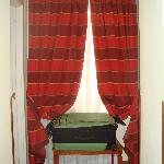 jr suite window coverings