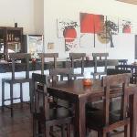 Tavoli zona ristorante/bar