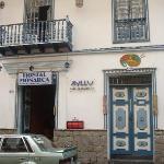 BIENVENIDOS El Hostal Monarca les da la más cordial bienvenida ala Ciudad de Cuenca,-Ecuador