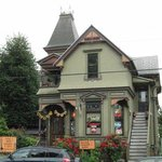 Pied coffe house exterior