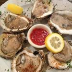 great oysters! raw & grilled
