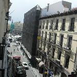View from our window over Plaza Puertas del Sol / Vista do quarto sobre a Praça Puertas del Sol