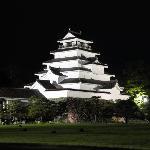 闇夜に光る鶴ヶ城