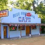 Bild från Blue Front Bar Cafe