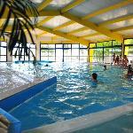 piscine couverte et chauffée à 28