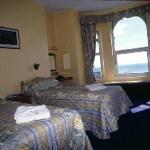 Twin room with panoramic view of bay