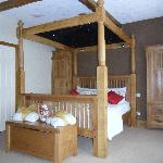 four poster bed room 6