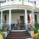 Captain's Quarters Inn