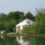 Cambodian Yurt by the lake -Idyllic!