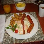 Buffet Breakfast with eggs to order