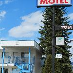 blue river motel