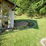 Sicht auf Garten und Pavillon