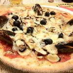 Pizza Mare e Monti - A picture is worth more than 1000 words