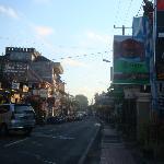 INATA Hotel: Signage along Monkey Forest Road