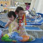 Spiaggia molto curata e attenta alle esigenze dei bambini