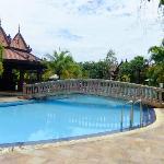 Island Pool Bar