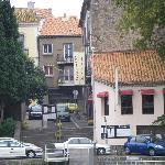 le restaurant devant l'Hérault et en face de la cathédrale