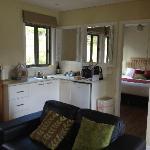 Full kitchen amenities