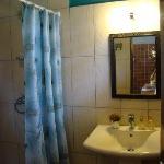 Bogoria Studio en suite bathroom