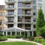 l'hotel e il giardino interno
